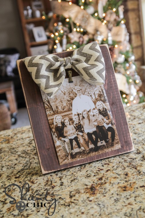 Bow-Picture-Frame-DIY-500x750