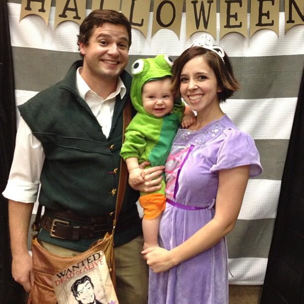 Rapunzel From Tangled Diy Halloween Costume Random Cd2059 Jakkamma Com